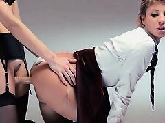 Neverending strap-on lesbians action