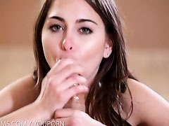 Petite yoga cutie gets the fuck of her life