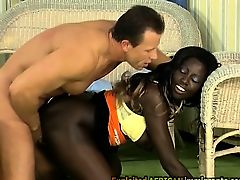 White perv fucks a bootylicious African beauty with his