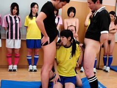 New trainer brings order to his sexy soccer team - AviDolz